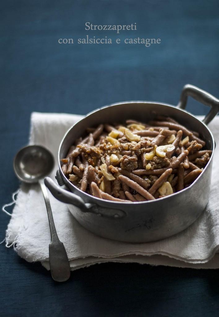 Strozzapreti con salsiccia e castagne