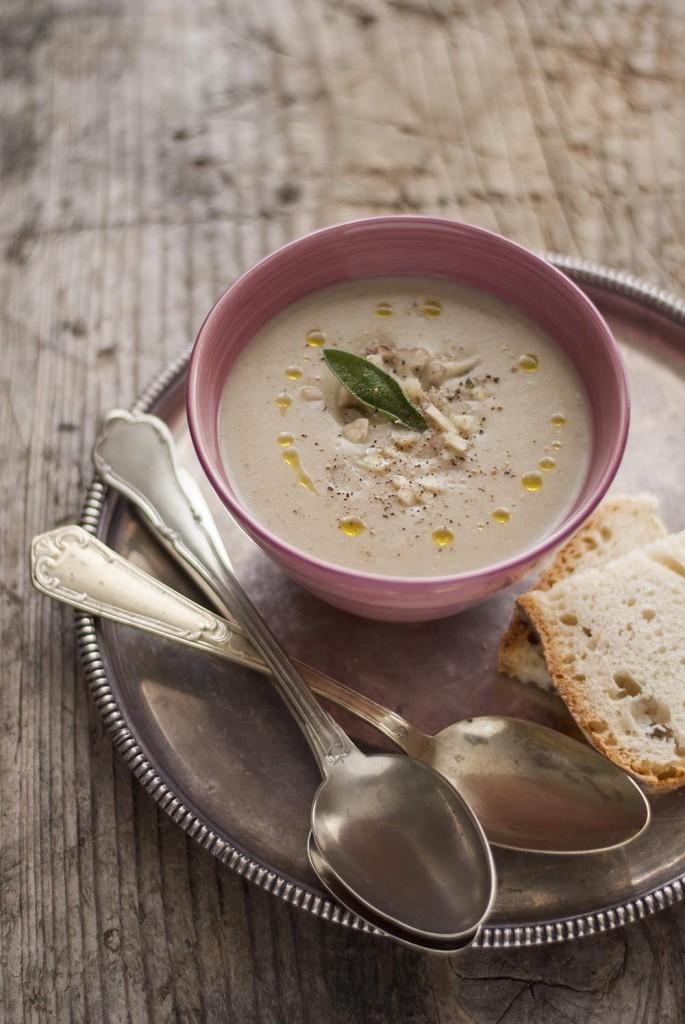 Zuppa di castagne e salvia