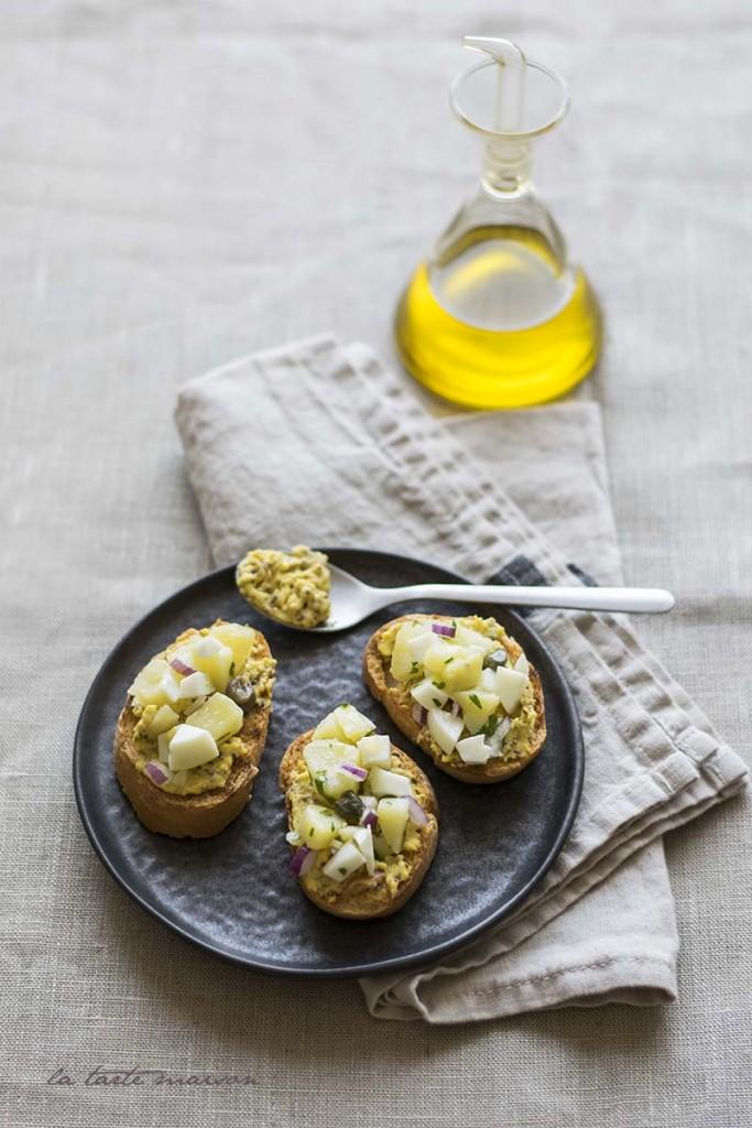 Crostini patate e uova1