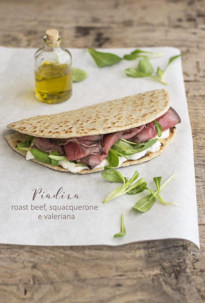 Piadina roast beef, squacquerone e valeriana