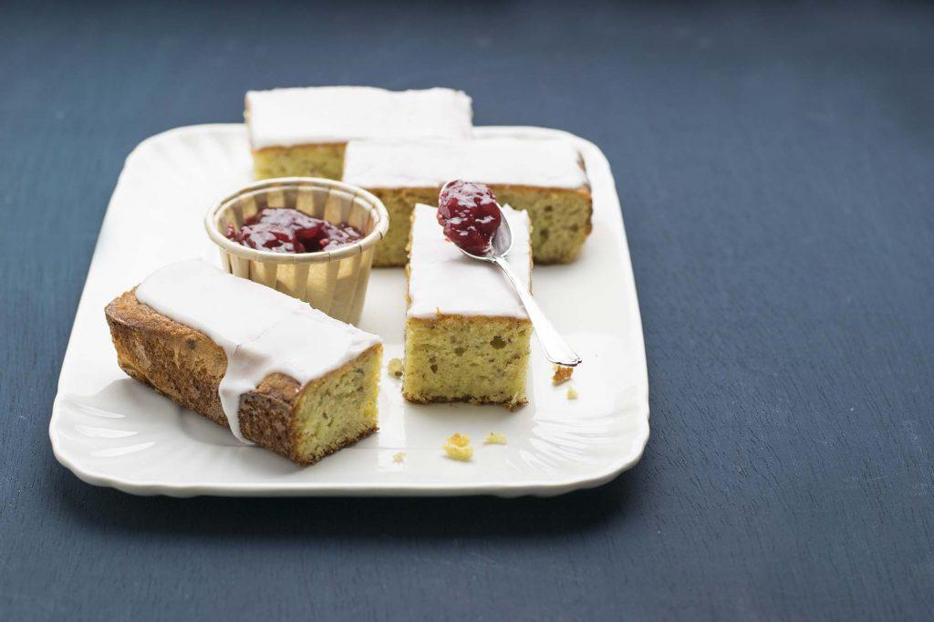 Torta Yogurt greco, mandorle e limone