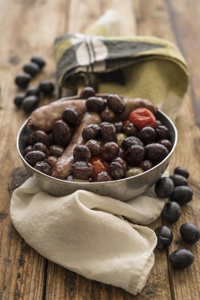 salsiccia con olive fresche