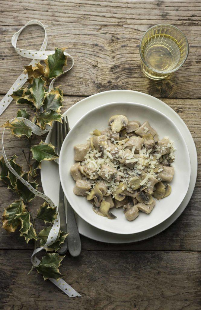 Gnocchi di castagne ai funghi e salsiccia