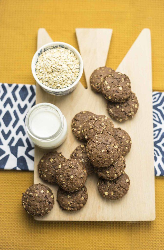 Biscotti con avena e cacao