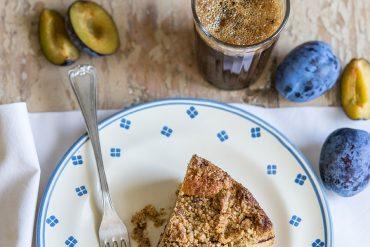 Torta di prugne con streusel alle mandorle