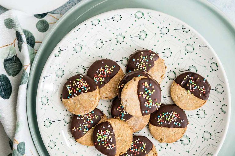 Biscotti con farina di farro, castagne e avena