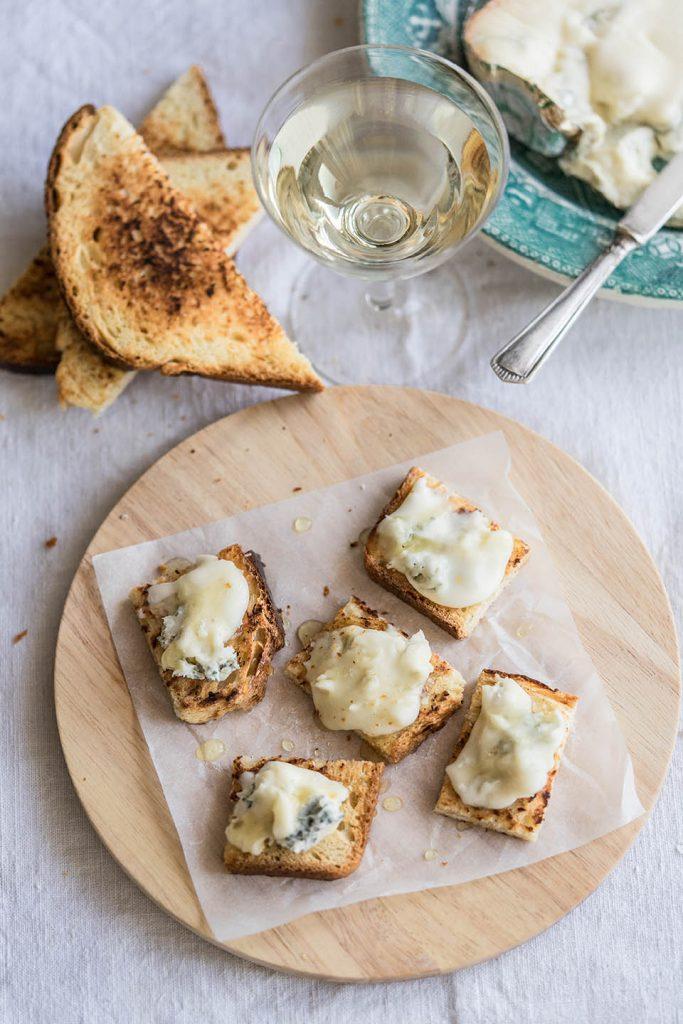 Tartine brioche gorgonzola e miele