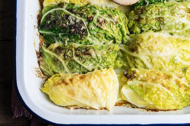 Involtini di verza con patate e scamorza affumicata